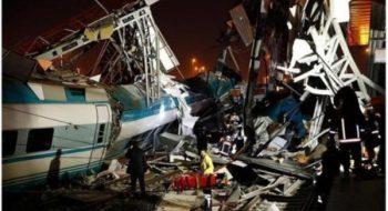 Ankara'da Tren Kazasında Ölü Ve Yaralılar Var